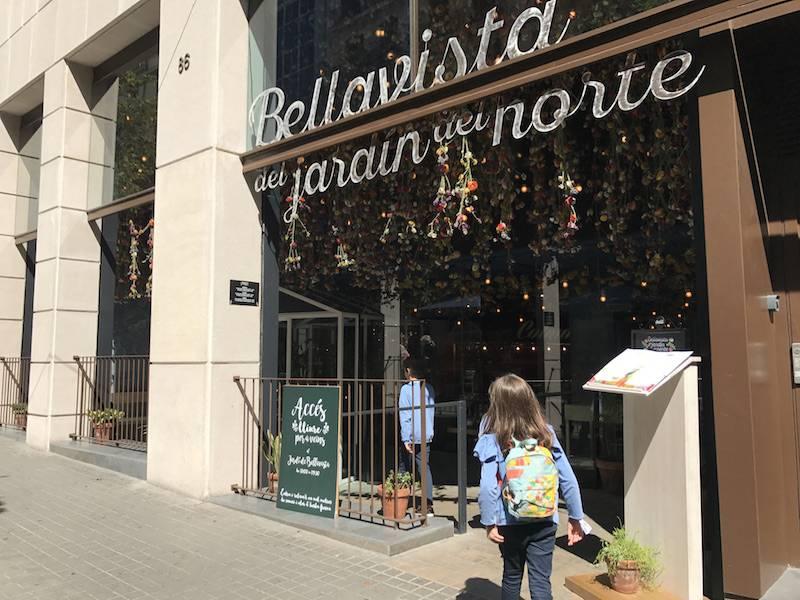Restaurante bellavista en familia barcelona colours for El bellavista del jardin del norte
