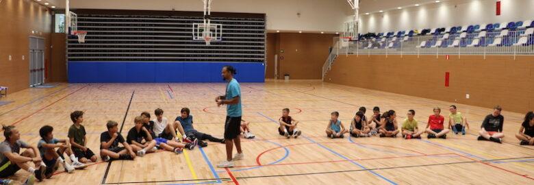 CAMPAMENTO DE VERANO DE BASKETBALL en The American School of Barcelona