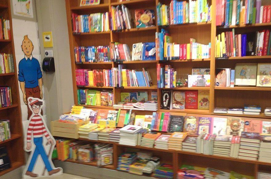 Laie, librería y cafetería con terraza para todos los públicos