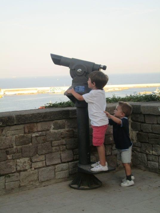 los niños al mirador