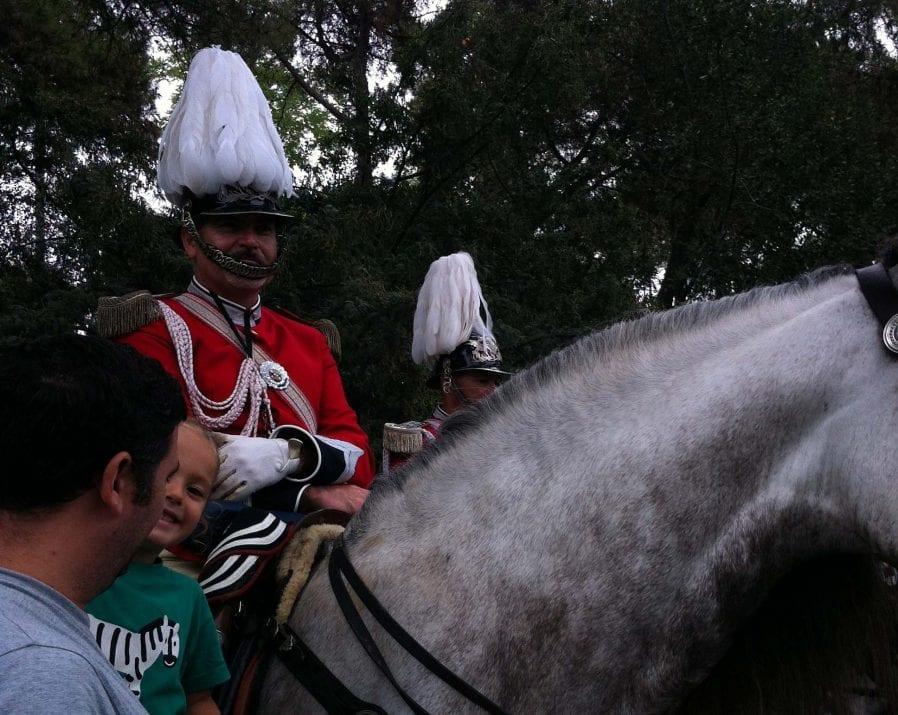 Un Guardia Urbana montado en el caballo