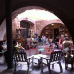 Espai Mescladís, a family restaurant with a lovely terrace