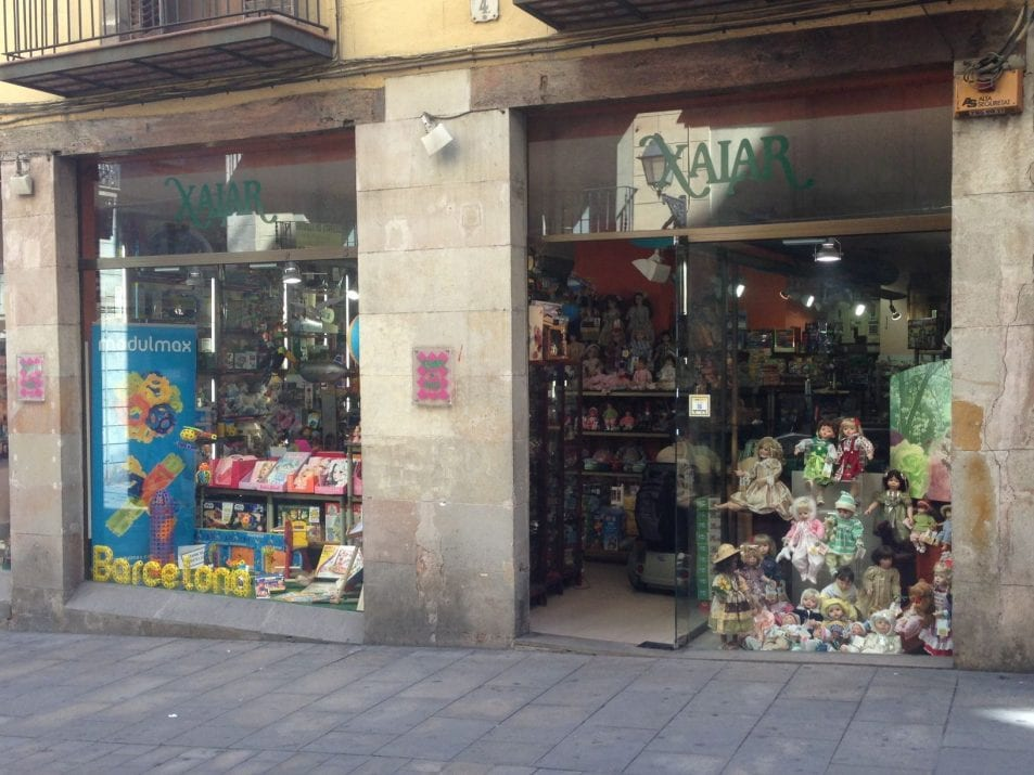 Xalar Barcelona, collection dolls and tin-plate toys