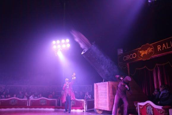 hombre bala circo Raluy