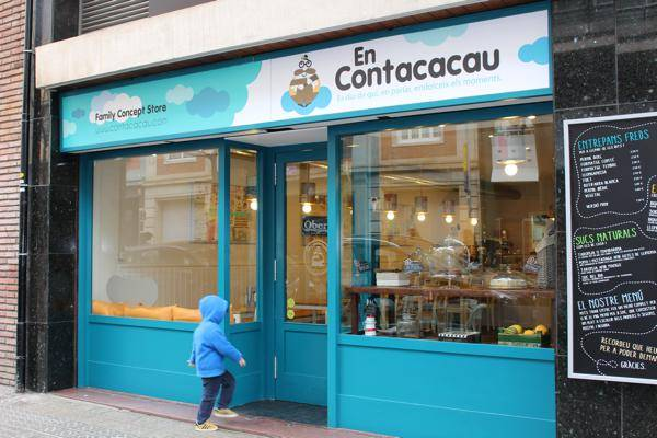 En Contacacau, a coffee shop to go with children