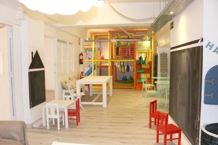 La Plaça Neri, coneixent Barcelona amb nens