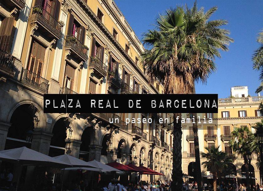 Paseo en familia por la plaza Real