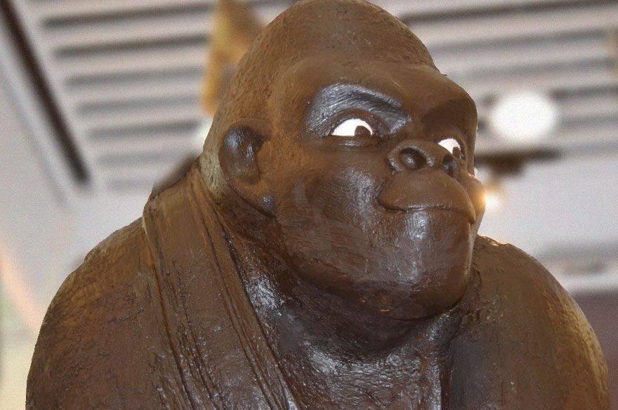 Una mona de chocolate de 150 kg