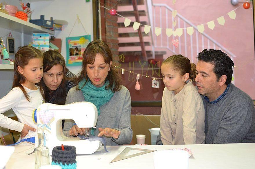 Taller de costura creativa infantil en Menta craft