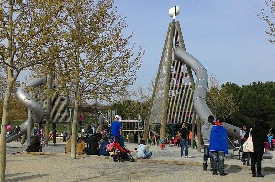 toboganes gigantes barcelona